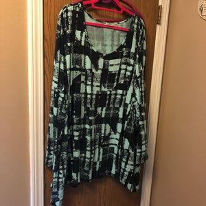 GUC mint and black tunic